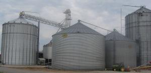Figure 1. Storage bins in Caldwell County (Photo: Raul T. Villanueva, UK)